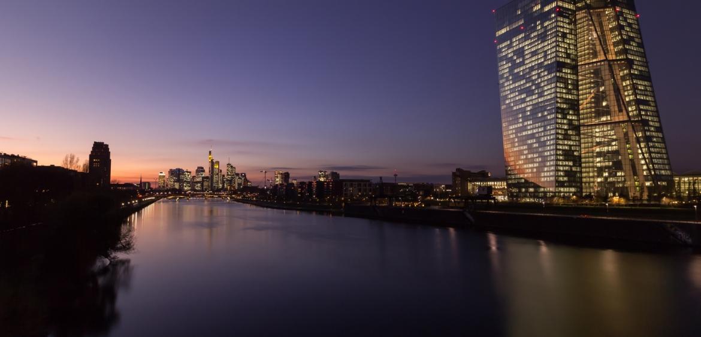 Frankfurt Skyline mit EZB